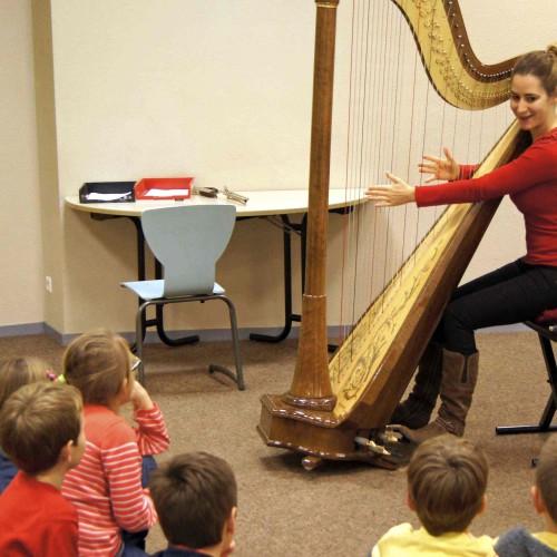 Maia Darme - atelier découverte de la harpe, 2013